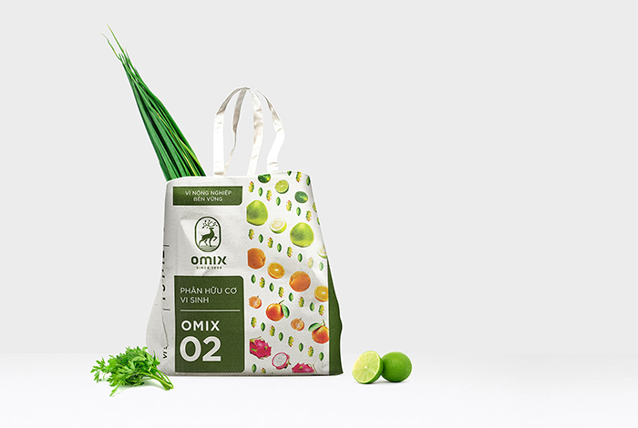 recycle bag-omix-bratus agency- fertilizer brand identity